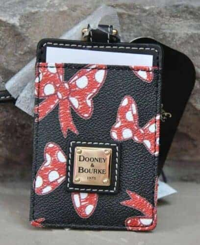 Japan Minnie Bows Black Pass Case