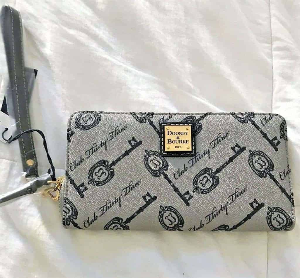 Disney Dooney & Bourke Club 33 Keys Wallet
