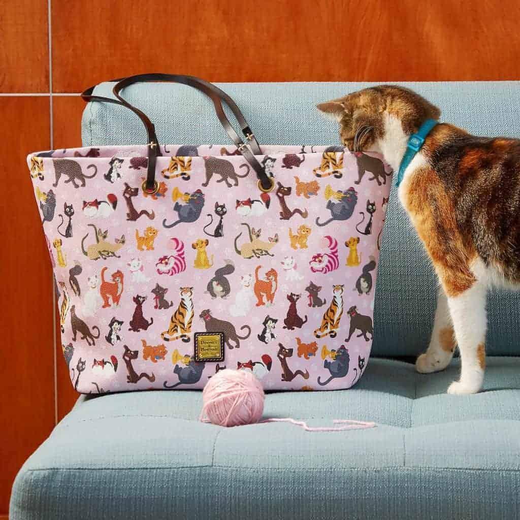Disney Dooney & Bourke Cats 2019 Tote w cat