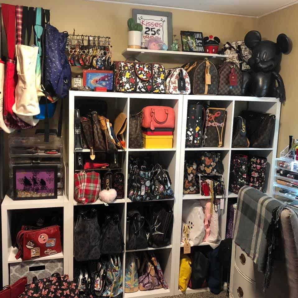 Using cubbies and cube organizers to store handbags