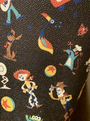 Pixar 2020 Dooney & Bourke Print Close-Up (Woody, Jessie, Remy, Kevin, Dante)